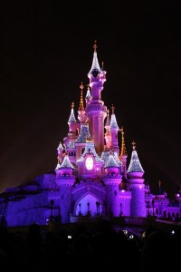 disney-castle-christmas