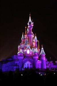 disney-castle-christmas